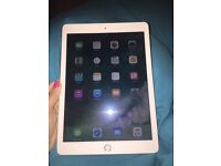 APPLE iPad Air 2 6th generation cellular and wifi
