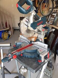 Bosch sliding mitre saw - dual bevel