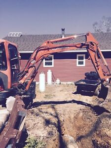 Excavator and Dump Trailer for hire with operator in central nl