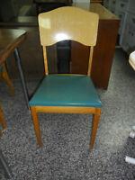 Quatre chaises rétro / four chairs vintage