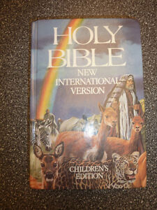 2 Bibles, 1 New International version (kids edition), crucifix Kitchener / Waterloo Kitchener Area image 2