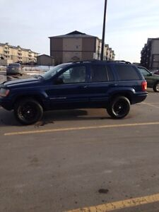 2000 4.7 L v8 Jeep Grand Cherokee limited !!