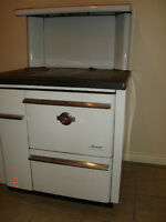 Fawcett Wood/Oil Stove with H/W Tank