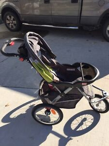 Expedition ELX jogging stroller with MP3 speakers Sarnia Sarnia Area image 1