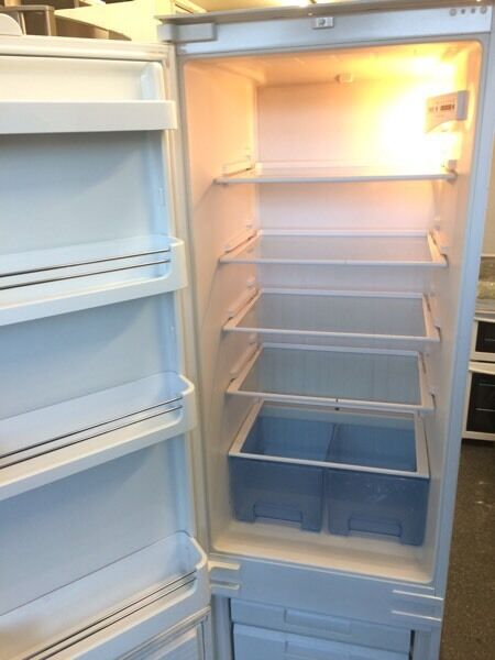 BOSCH integrated fridge freezer