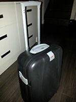 valise rigide sur roulette
