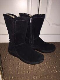 Clarks Nelia Net 4 GTX Women's Winter Boots Size 6 WORN TWICE