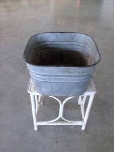 Vintage Wash Tub - great for flowers in the garden!