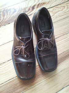Mens Leather Dress Shoes - Bass size 9 1/2 London Ontario image 2