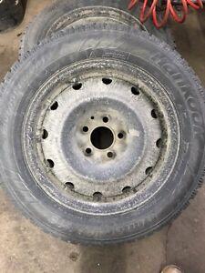 Jantes 16 pouces et pneu d'hiver 215 60r 16