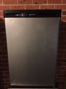 Excellent Westinghouse120 liter stainless steel bar fridge,can de Parramatta Parramatta Area Preview