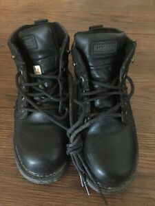Woman's steel toed Dakota boots size 8.5 for Sale London Ontario image 1