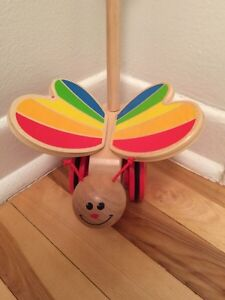 Hape wooden Butterfly Push Toy West Island Greater Montréal image 1