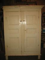 Armoire blanche à pattes antique fin 18e siècle 12 panneaux pin