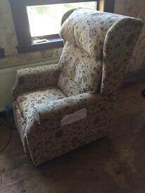 Electric riser/ recline chair