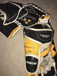 Complete Set of Men's Goalie Equipment  Kingston Kingston Area image 8