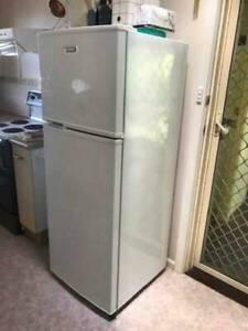 Simpson 302L Fridge/ Freezer