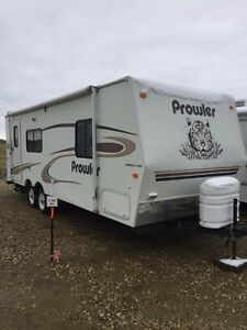 2005 Prowler 25' Bumper Pull Trailer * mint condition*