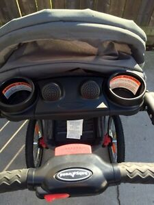 Expedition ELX jogging stroller with MP3 speakers Sarnia Sarnia Area image 3