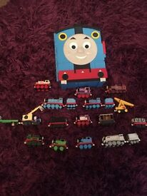 Thomas the Tank Engine - take and play case & engines