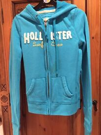 Size XS hollister hoodie