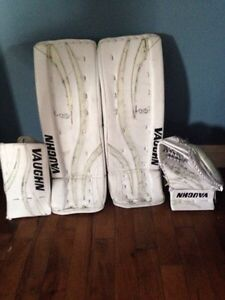 Vaughn Velocity 28 +2 with matching blocker and trapper.