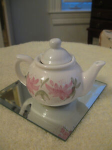 ADORABLE LITTLE VINTAGE MINIATURE CHINA TEA POT