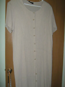 Long ladies dress NEW