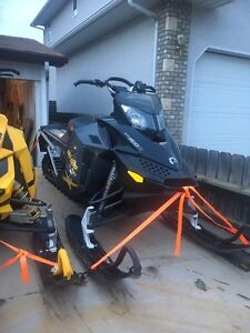 2008 skidoo summit 800 154 1400 KMS ON NEW MOTOR