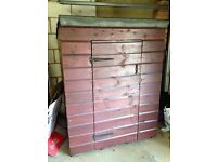 Small sturdy solid wood garden shed felted roof & internal shelf fab condition