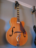 Guitare électro-acoustique hollow jazz Gretsch G100B