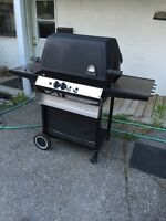 BBQ BroilMate Avec Accessoires Stainless / Inox A Vendre