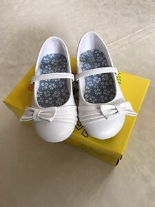 Girls white dress shoes toddler 9