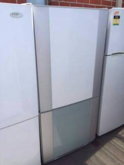 great working silver large/ 500 liter Westinghouse fridge , can d