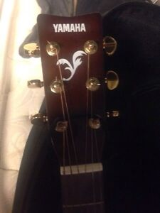 Yamaha acoustic guitar and accessories  Cambridge Kitchener Area image 3