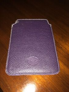 ROOTS real leather iPad/kobo case Cambridge Kitchener Area image 1