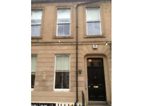 Studio apartment for Rent, Berkeley Street, Charing Cross, 1 minute from Glasgow City Centre