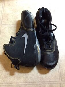 Nike Shoes (size 10)
