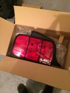 2008 Ford mustang tail lights