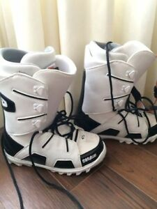 THIRTY TWO SNowboard Boots (9.5)