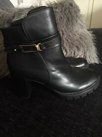 Ladies ankle boots size 7