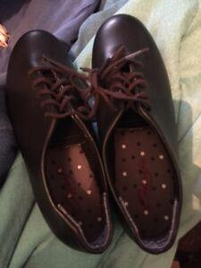 Tap shoes size 3M