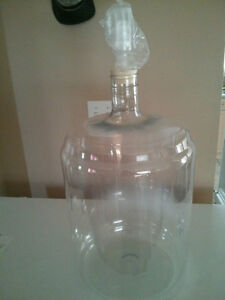 New Clear Plastic 23 liter 6 gallon carboy like a better bottle