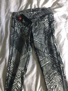 Brand New with Tags-Under Armour Leggings size xs