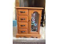 Retro Wooden Jewellery Box
