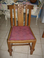 Set of 4 solid oak antique dining chairs