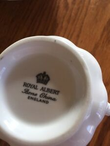 Royal Albert silver wedding tea cup and saucer Windsor Region Ontario image 3