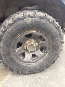 31-10.5-15 Steel radial M/S tires with rims!