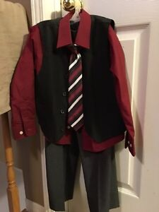 Boys 4 piece dress suit Belleville Belleville Area image 1