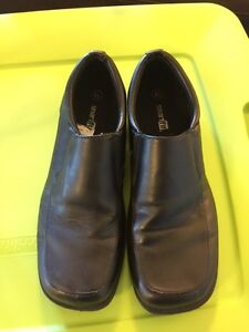 Boys dress shoes size 4.5